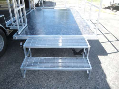 S194862 #014 Removable Aluminum Steps Beside Stage